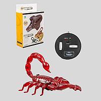 Innovation: Радиоуправляемая игрушка Скорпион на пульте управления, красный