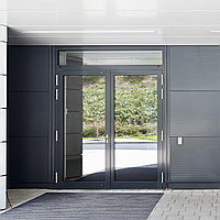 Что выбрать — пластиковые или алюминиевые двери?