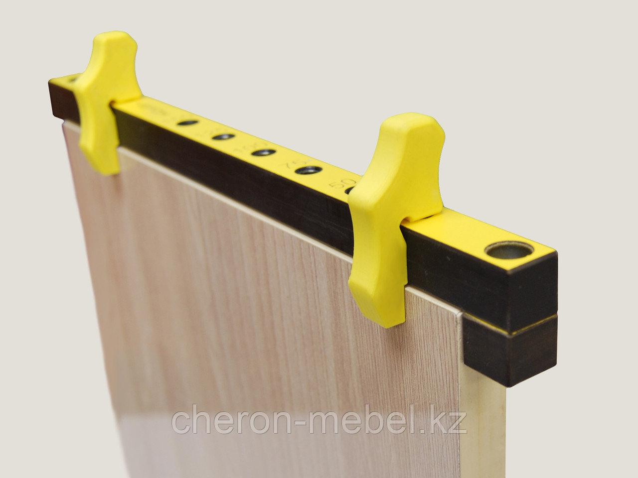 Упор переходник для кондуктора втулки 5 мм (для плиты 18 мм). ,