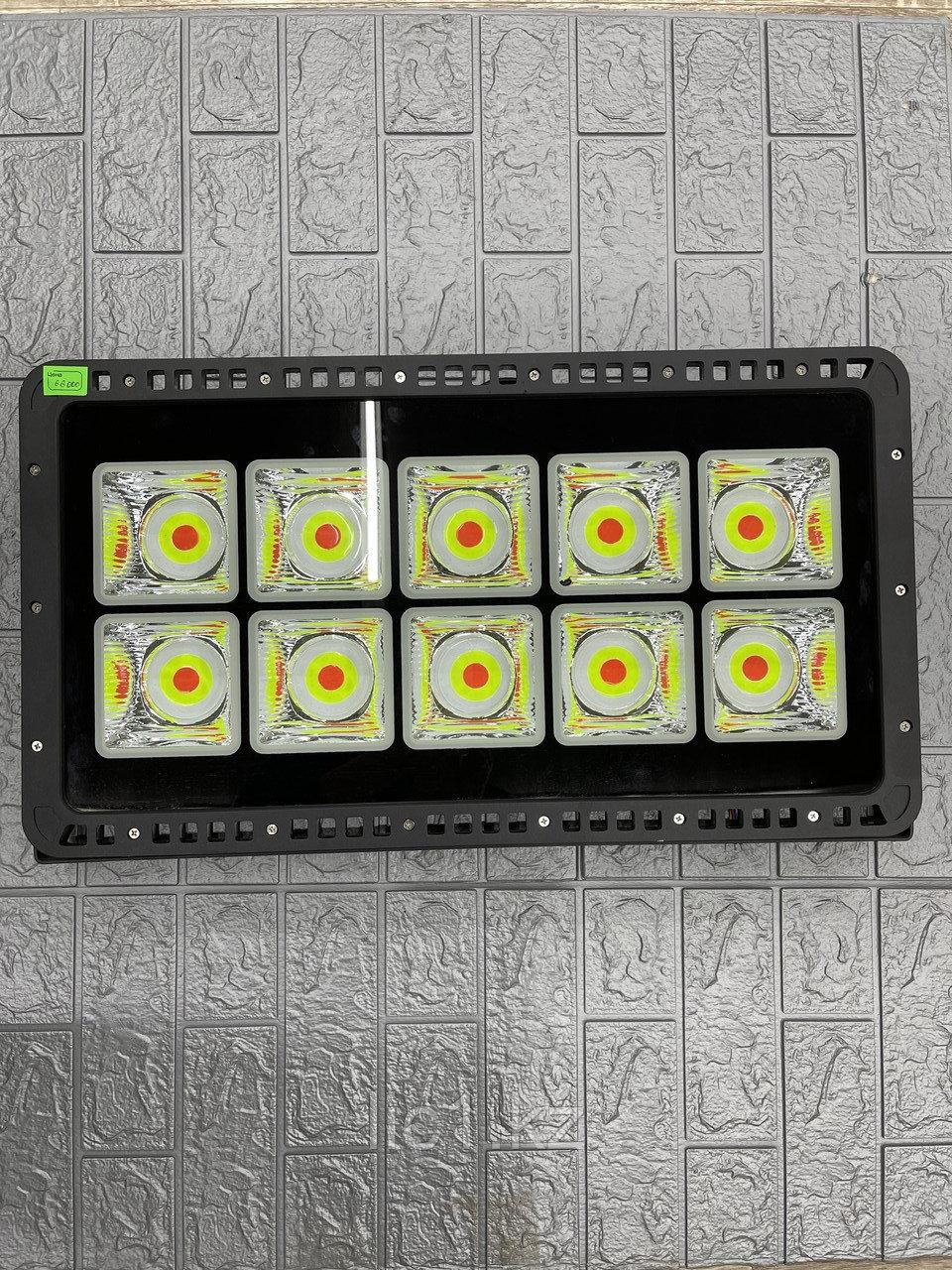 Светодиодный FRGB-2 прожектор 600 Вт