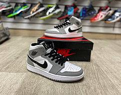 Баскетбольные кроссовки Air Jordan 1 Retro High 'Light Smoke Grey'