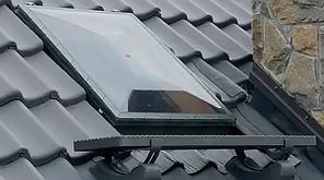 Окно-люк с поликарбоната WSZ 86х86 см  Fakro предназначены для нежилых помещений с универсальным окладом