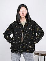 Джинсовая черная куртка с цветочным принтом
