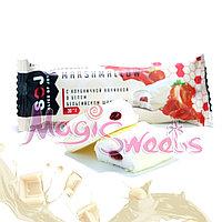 """SOJ Батончик """"MARSHMALLOW"""" с клубничной начинкой в белом шоколаде 30 гр./ Упаковка 10 шт."""