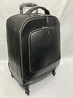"""Кожаный дорожный чемодан на 4-х колесах """"TONY BELLUCCI"""". Высота 54 см, ширина 40 см, глубина 25 см."""