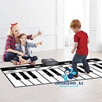 Большое напольное электронное фортепиано длиной 1.80 см