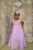 Детское стилизованное национальное платье с головным убором.
