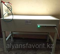 Стол с подсветкой и водоснабжением для инспекции икры и других субпродуктов.