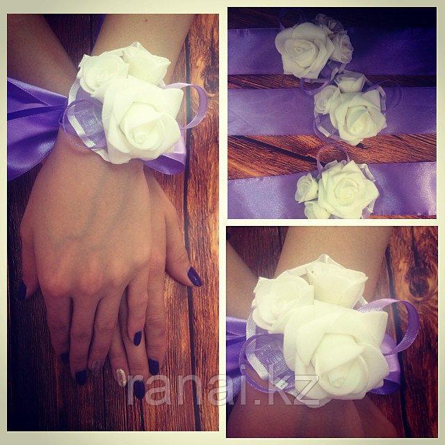 Бутаньерки для подружек невесты