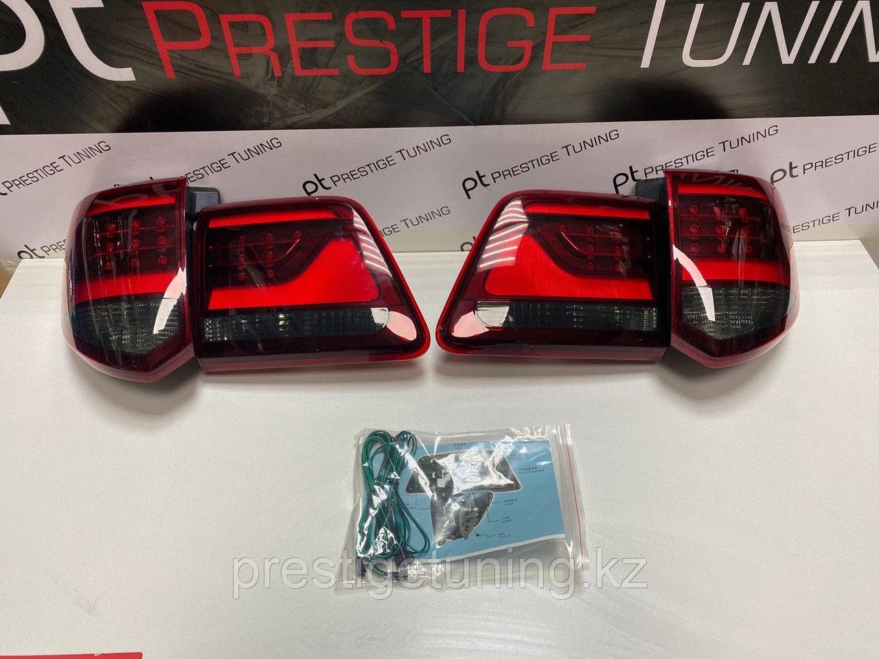 Задние фонари на Toyota Fortuner 2012-15 дизайн Land Cruiser (Красные)