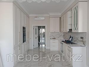 Кухонный гарнитур. Белый. Неоклассика