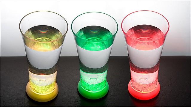 Сверкающий стакан