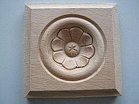 Розетка деревянная квадратная с цветком (60*60) F - 5(a)., фото 1