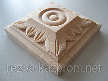 Розетка деревянная квадратная с лепестками (60*60) F - 4.