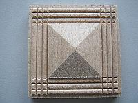 Розетка деревянная пирамида с окантовкой  (60*60) F - 1.