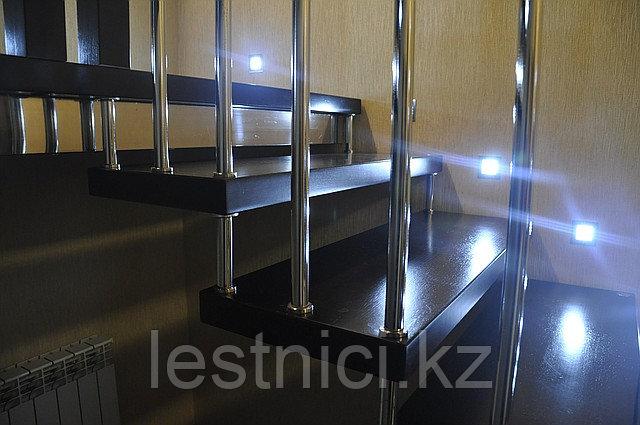 Лестница на больцах c деревянными ступенями