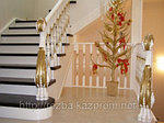 Деревянные ограждения и деревянные лестницы - символ богатства и хорошего вкуса