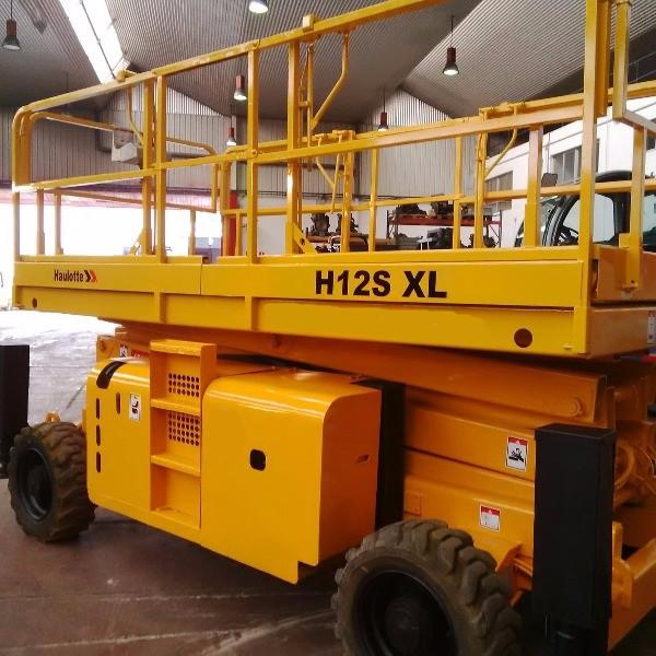 Самоходный ножничный дизельный подъемник H 12 SX L