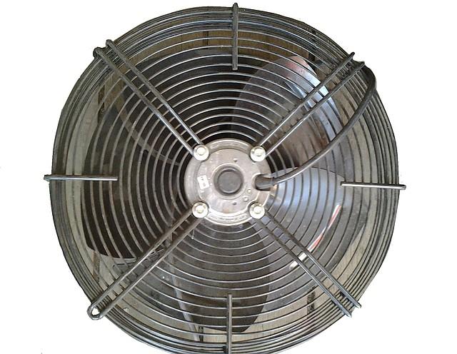 Вентилятор самоохлаждающийся с решеткой д.350