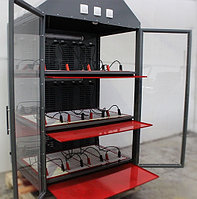 Трехъярусный шкаф для аккумуляторных батарей