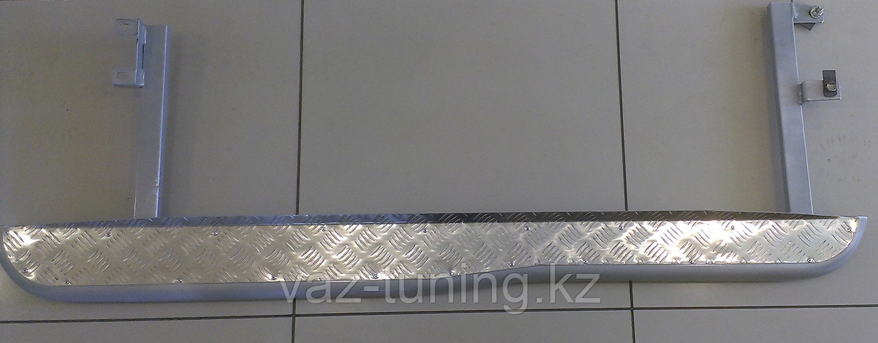 Пороги с алюминиевым листом с перегибом Лада Нива Шевроле 2123 RS