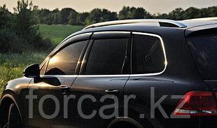 Дефлекторы SIM боковых окон для BMW 5 Series Sedan (2003-, E60), темные, на 4 двери