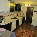Кухня черно-белая с глянцевым теснением, фото 4