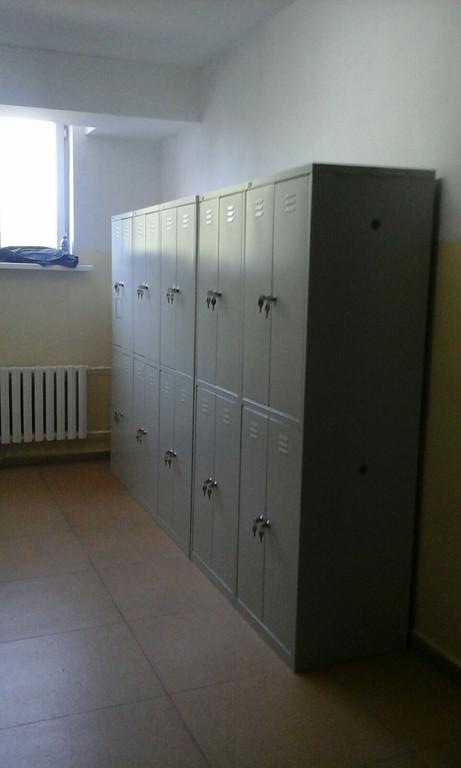 Шкафы для одежды в школе