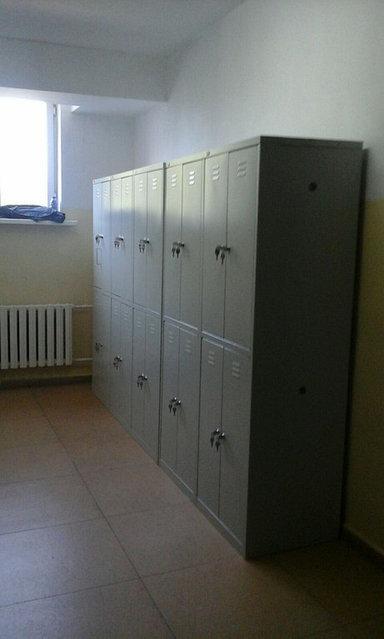Металлический шкаф для одежды, 4-х секционный