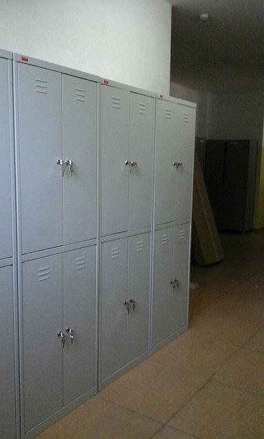 Шкафы для одежды в школе -1