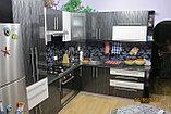 Кухня с высокоглянцевыми фасади, фото 3