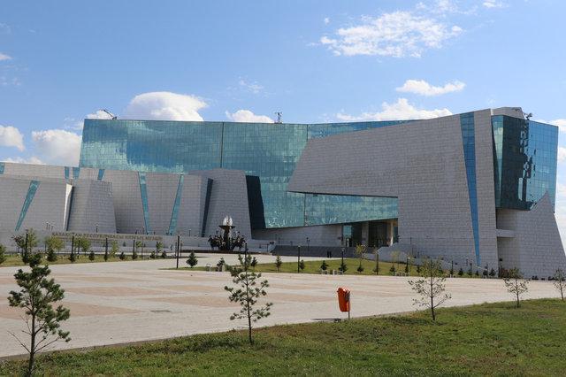 Покраска фасада здания национального музея истории Казахстана / 2014 год 9