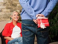 Что подарить любимой девушки?
