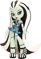 Monster High Виниловая фигурка Фрэнки Штейн