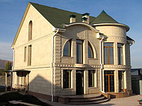 Подшивка карниза крыши, монтаж сайдинга, софита в Алматы