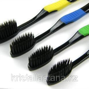 Угольная зубная щетка
