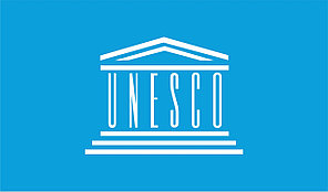 Флаг ЮНЕСКО. The United Nations Educational, Scientific and Cultural Organization.