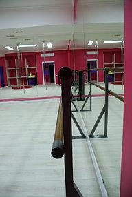 Установка зеркал в танцевальный зал (5 октября 2015) 3