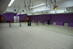 Установка зеркал в танцевальный зала (7 октября 2015) 1
