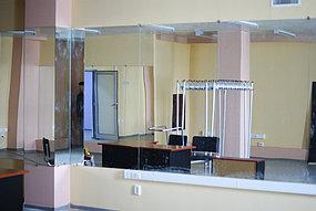 Установка зеркал в танцевальный зал (30 апреля 2015) 1