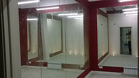 Установка зеркал в танцевальный зал (2 июня 2015) 3
