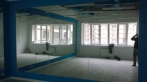 Установка зеркал в танцевальный зал (15 июля 2015) 6