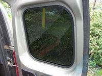 Резинка на стекла задних дверей