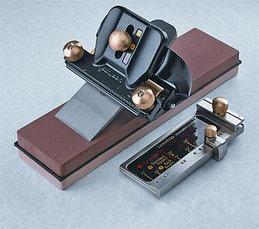 Точилки для ручной заточки (фиксация инструментов)