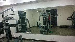 Установка зеркала в тренажерный зал (21 сентября 2015) 1