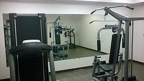 Установка зеркала в тренажерный зал (21 сентября 2015) 2