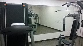Установка зеркала в тренажерный зал (21 сентября 2015) 3