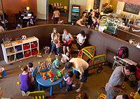 Выбираем мебель для детского кафе