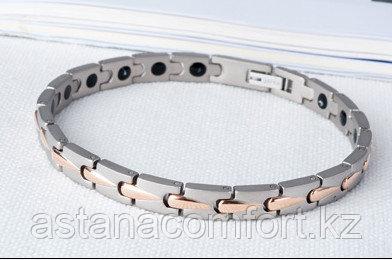 Женский браслет с турмалином, германием и магнитами.