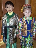 Деткий народный узбекский костюм